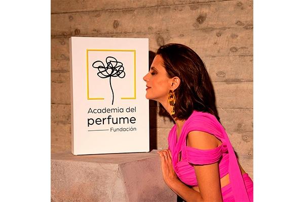 Reto Smell Song de la Academia del Perfume a Macarena Gómez para sus Premios 2021